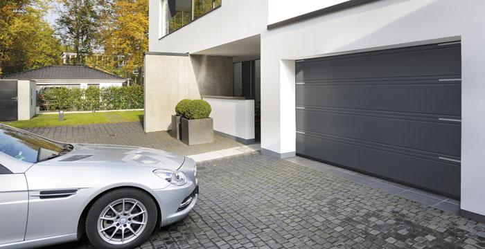 Sekcionálne garážové brány